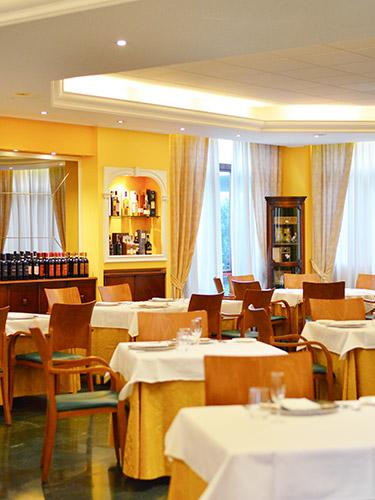 ristorante mediterraneo ristorante italiano a cesano maderno in brianza sala
